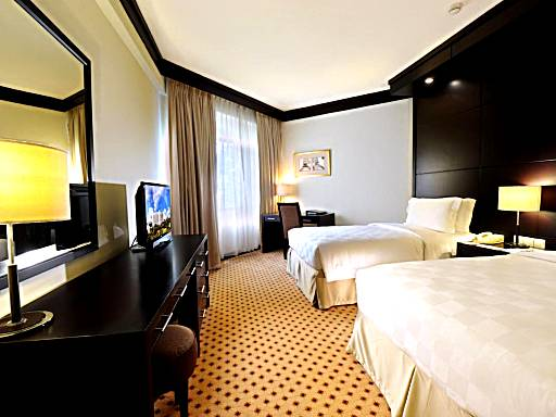 20 Hotel Rooms With Balcony Or Private Terrace In Jakarta